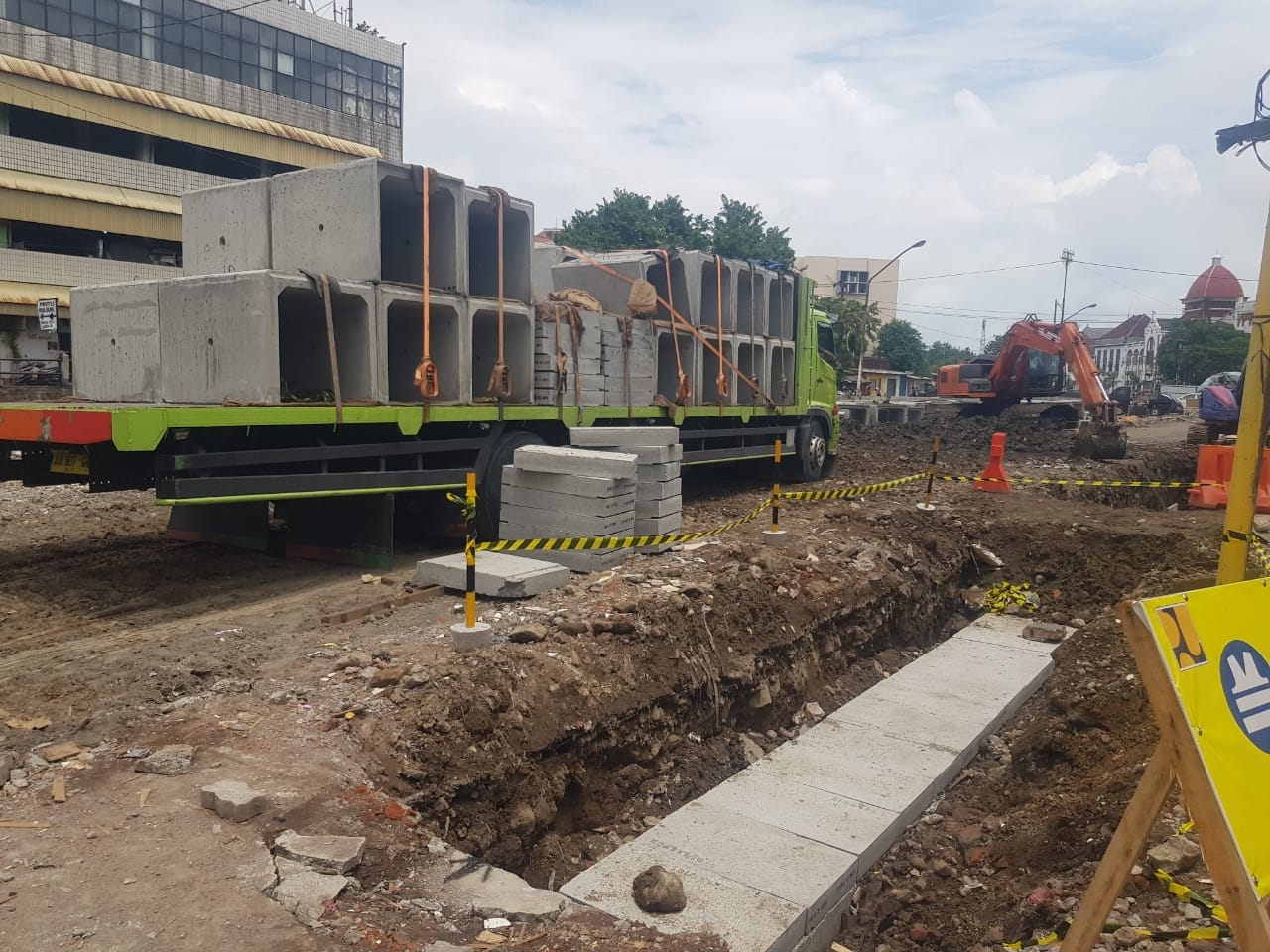 2019_Manajemen Konstruksi Penataan Kawasan Kota Lama Semarang-02
